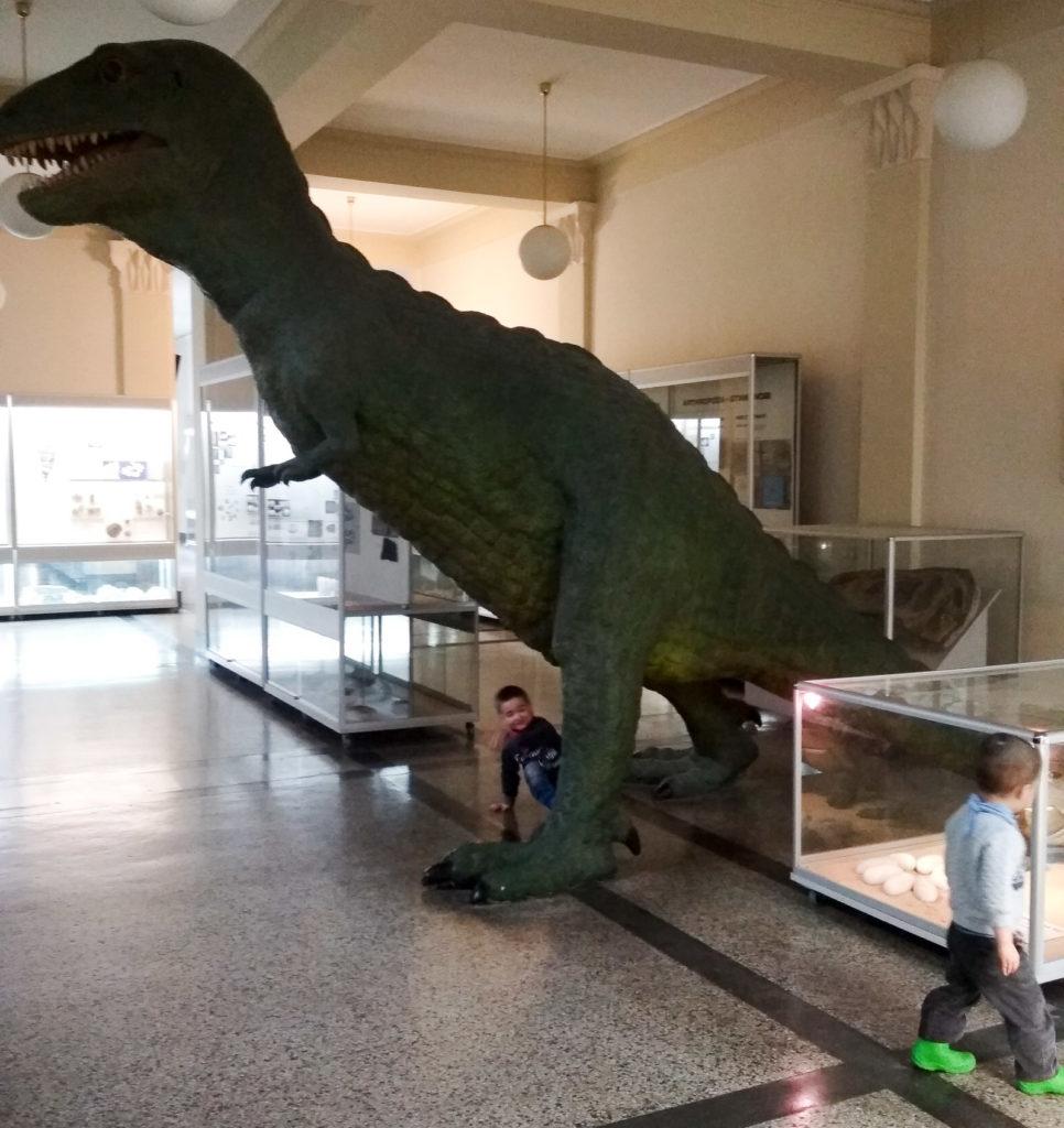 atrakcje dla dzieci krakow dinozaut agh