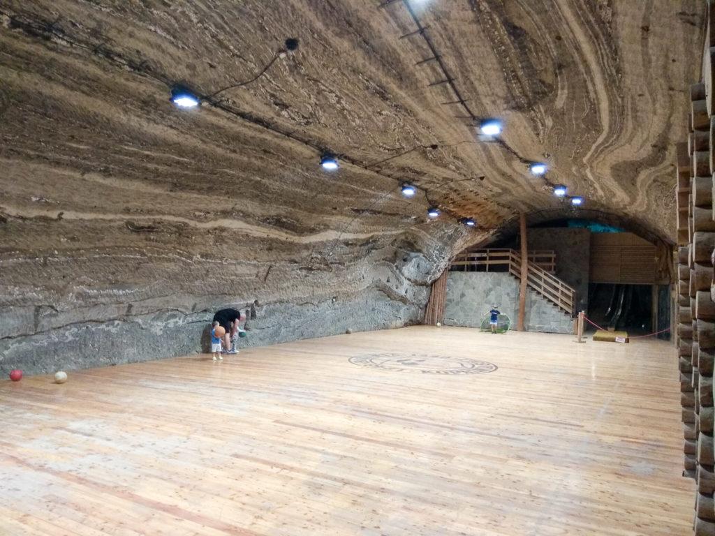 atrakcje dla dzieci krakow kopalnia soli bochnia boisko