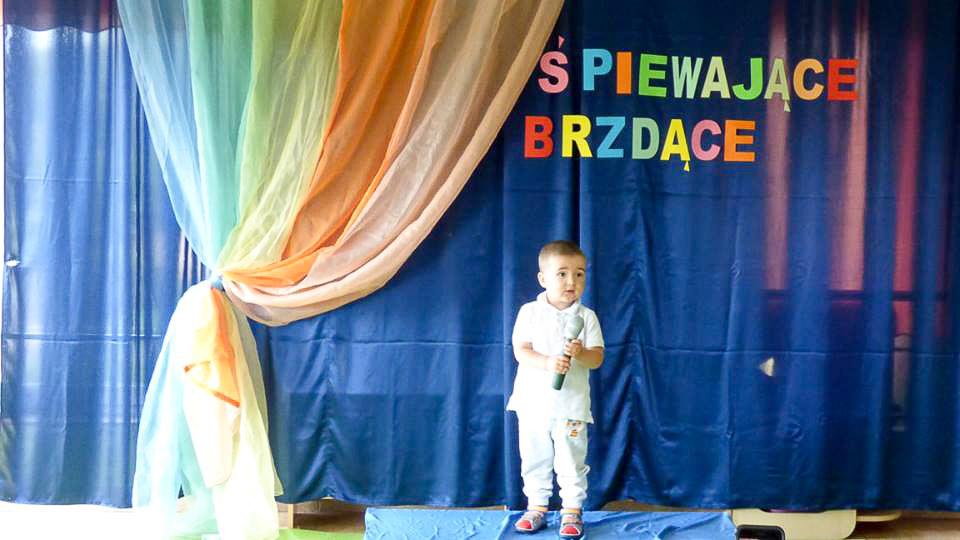 dziecko w teatrze konkurs piosenki