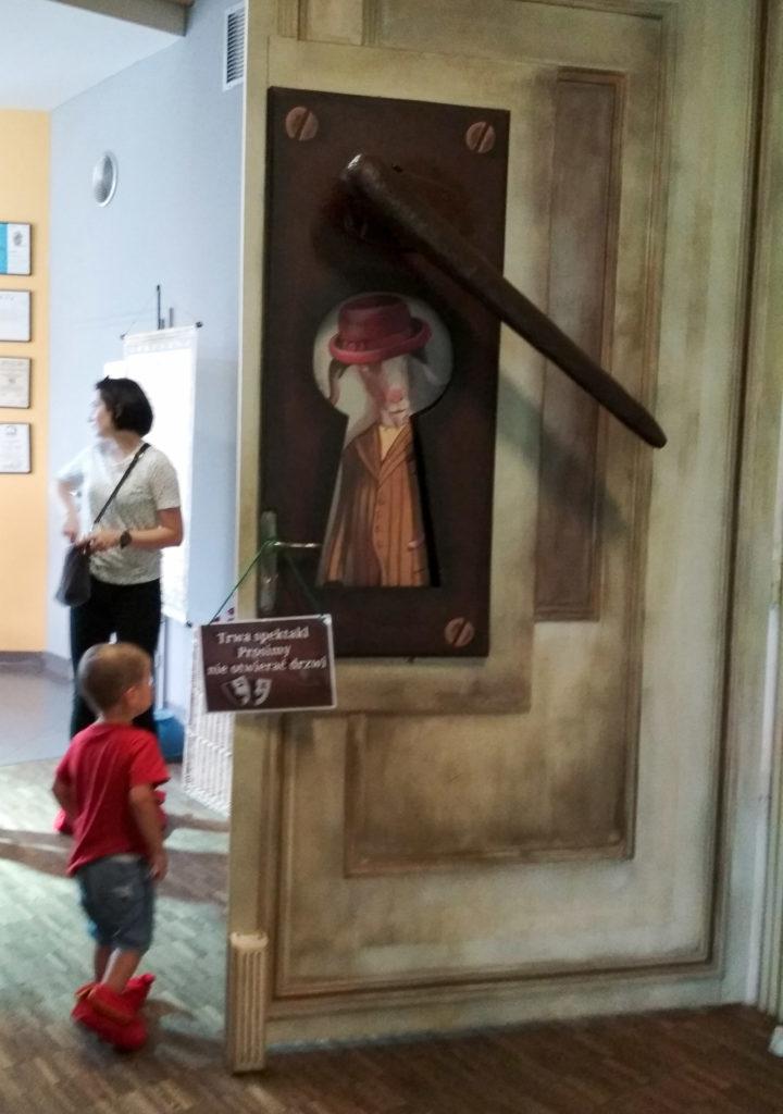 dziecko w teatrze pacanow mala syrenka