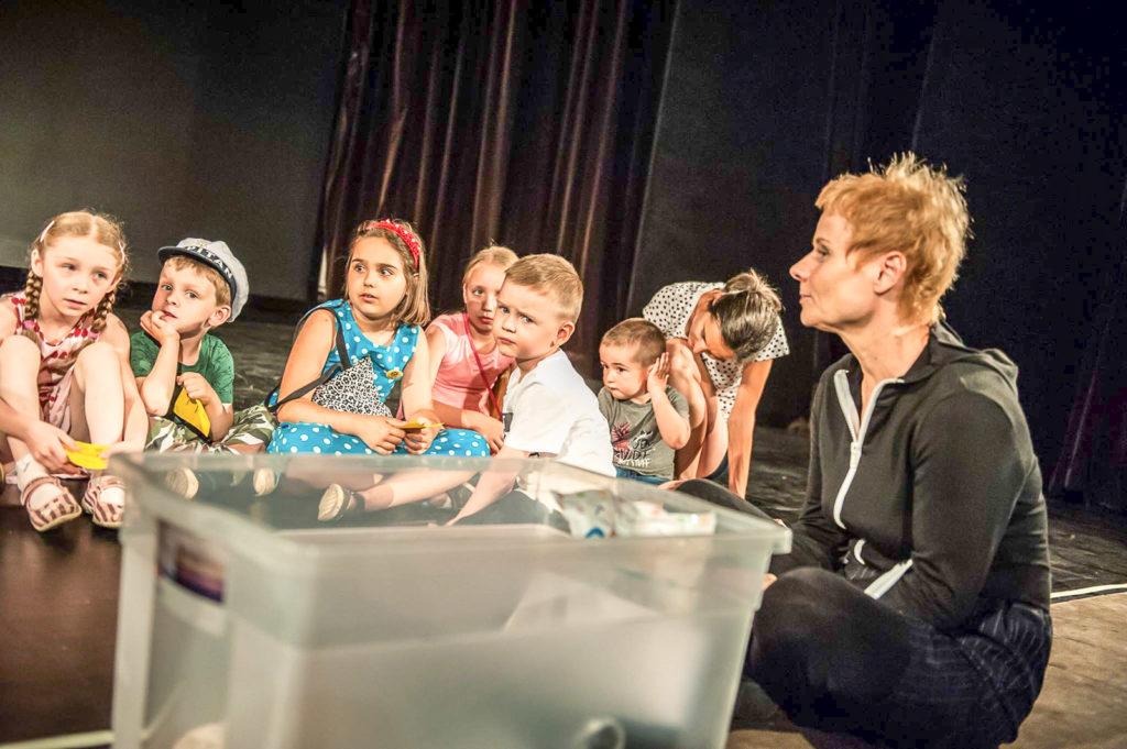 dziecko w teatrze teatr baj ja maluch i morze