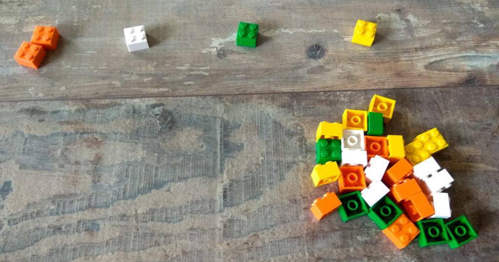 kreatywna zabawa klockami kategoryzacja wedlug koloru
