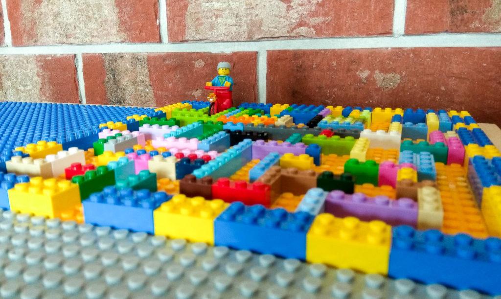 kreatywna zabawa klockami lego labirynt