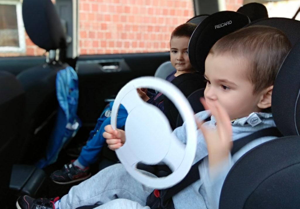 zabawy z dzieckiem w podrozy kierownica diy