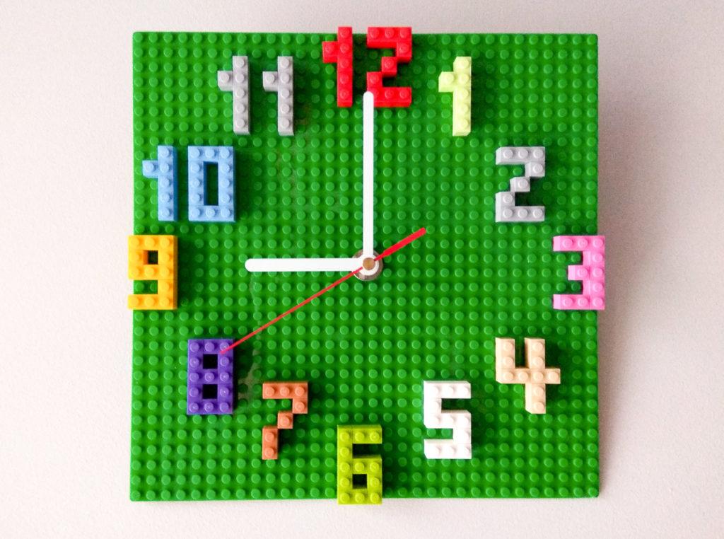 Zegar LEGO DIY, którego nigdy nie uda się nam skończyć - Przystanek  Rodzinka - blog parentingowy o dzieciach okiem logopedki