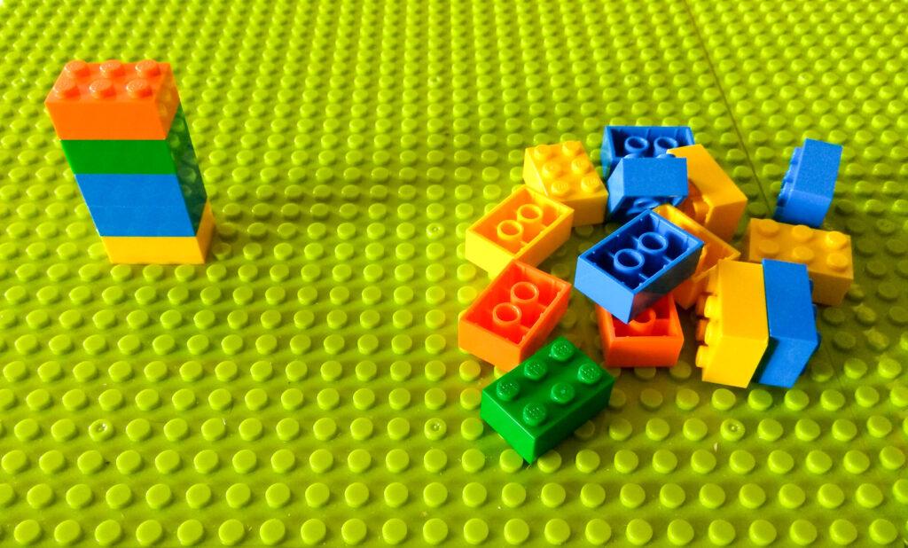 kreatywna zabawa klockami nasladowanie wzoru przestrzennego lego 2
