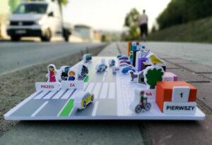 """Interaktywna plansza """"Droga"""" – zbiór językowych i matematycznych ćwiczeń w pełni aktywizujących dziecko"""
