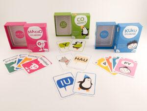 """Edukacyjne gry karciane """"Makao sylabowe"""", """"Kuku sylabowe"""", """"Co mówi?"""" – ponad 10 pomysłów wykorzystania zestawu"""
